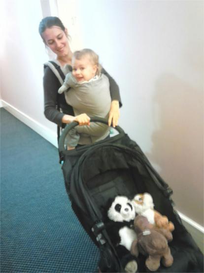 portage de bébé vs poussette