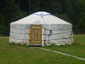 yurt-971279_640